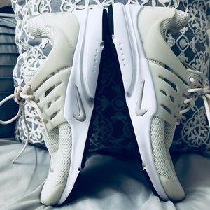 Nike Presto Creme shoes